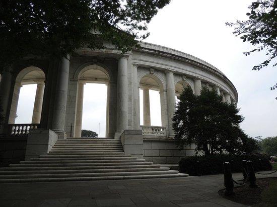 Arlington National Cemetery: Edificio en el Cementerio de Arlingtong