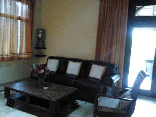 Sleeping Giant Lodge : room relaxing area