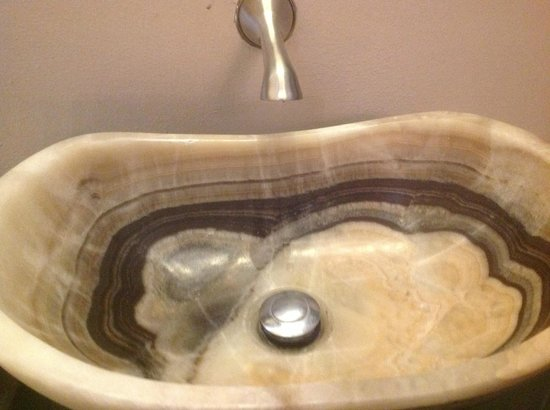 Hosting House Congreso: Carved onyx lavatory.