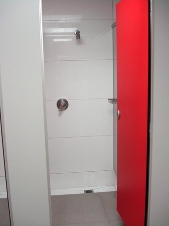 YMCA Hostel : Bathroom