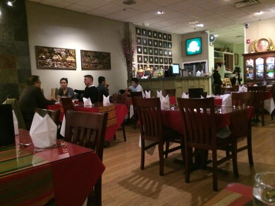 Bangkok Garden Thai Restaurant: inside