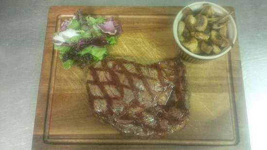 Mamma Mia: Special of the day, Rib eye steak.