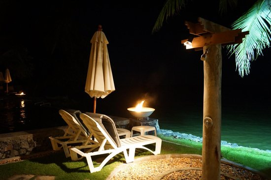 Baan Haad Ngam Boutique Resort & Villas : Looking out to the sea