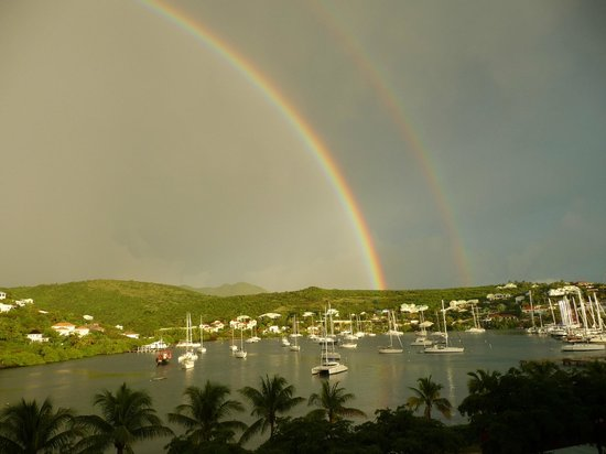 Oyster Bay Beach Resort : Double Rainbow Morning