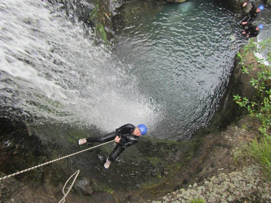 "AWOL Canyoning Adventures : ""The showers"""