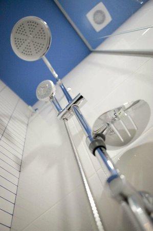 Vitium Urban Suites: Baño