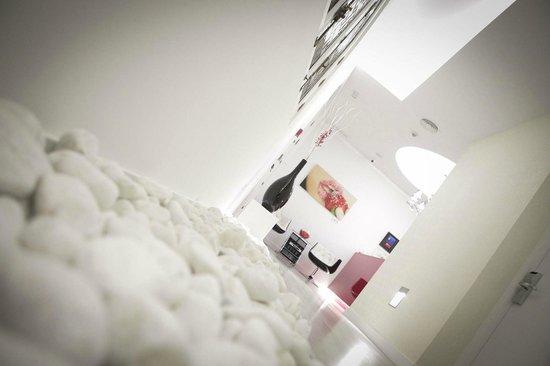 Vitium Urban Suites: Hall