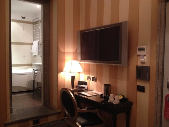 The Inn At The Roman Forum - Small Luxury Hotel: Room 306
