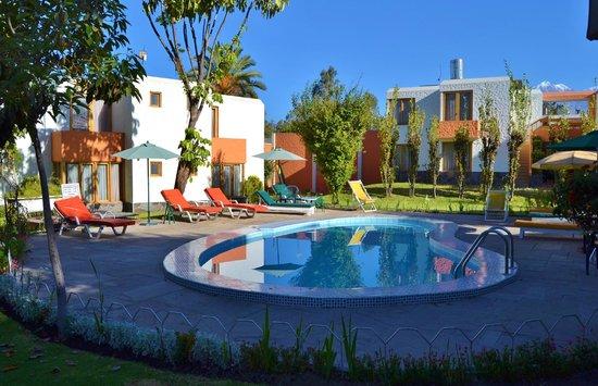 Hotel La Casa de mi Abuela : Piscina