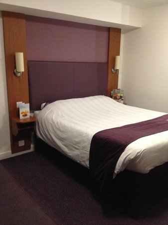 """Premier Inn London Ealing Hotel: our """"comfortable"""" bed"""