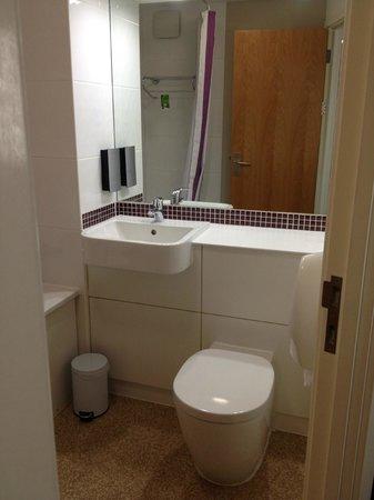 Premier Inn London Ealing Hotel: our en-suite