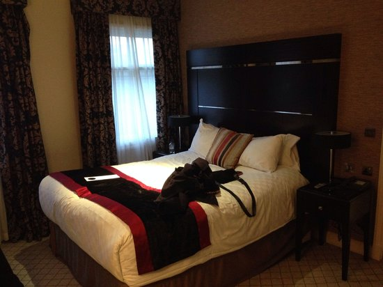 The Grosvenor Hotel: Our fantastic comfortable bed...