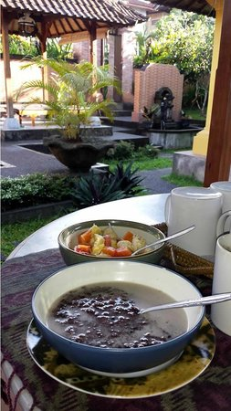 Bali Breeze Bungalows: Breakfast, Burbur Injin (Black Rice) by special order 1 day in advance.  Plus fruit salad