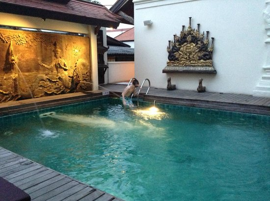De Naga Hotel: Pool
