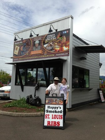 Happy's Java & Soul Food Shack: Happys Soul Food Shack - not much to look at, but magic is served through those windows!