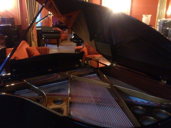 Mercato di Natale di Montreux (Montreux Noel): Montreux - manufacture de pianos