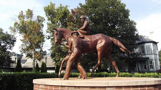 Kentucky Horse Park : Secretariat Memorial