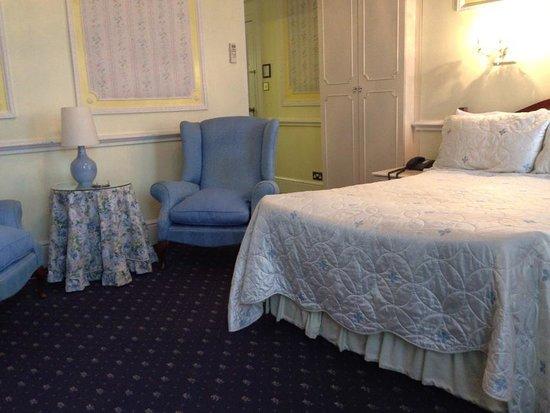 London Elizabeth Hotel: デラックス ダブルルーム(三階の禁煙部屋 )