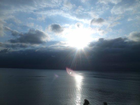 Umiakari : 曇りでもこね景色