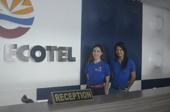 Embarcadero Hotel: Friendly reception staff
