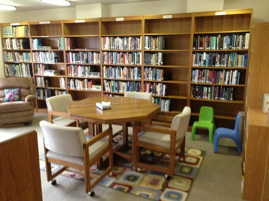 The Mountain Retreat and Learning Center: the library