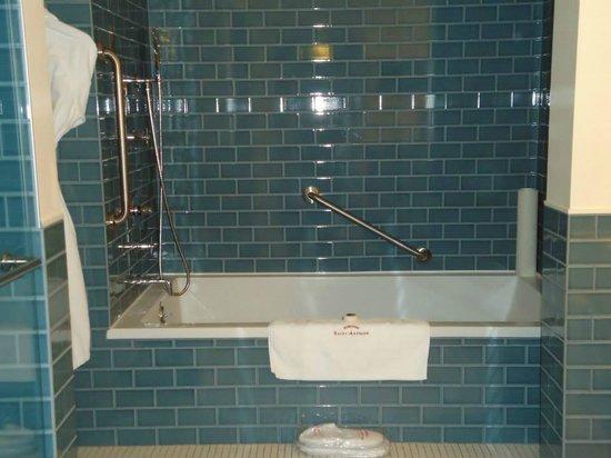 Auberge Saint-Antoine : Bathroom