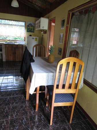 Cabanas La Pradera : kitchen