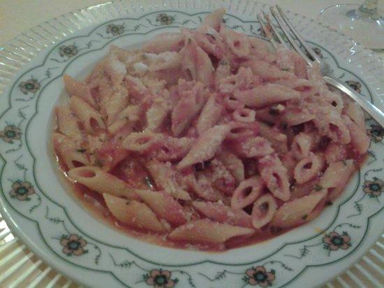 Villa Carlotta Hotel : Cold and watery Pasta  :{