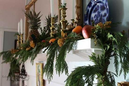 Savona, État de New York : Festive finery in the dining room