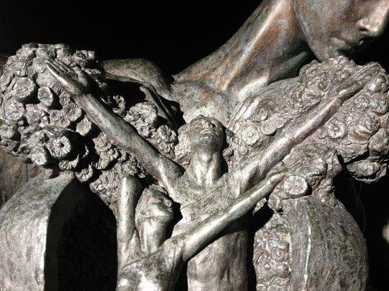 Einar-Jónsson-Museum (Listasafn Einars Jonssonar): Such intricate work, stunning