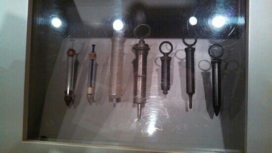 National Civil War Museum: Display of Civil War era syringes