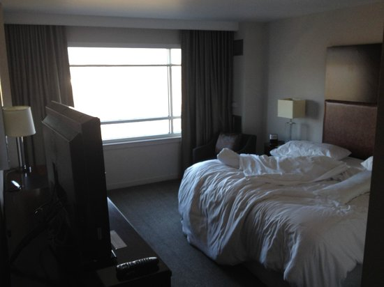 The Westin Richmond: Bedroom w/ King Size Bed