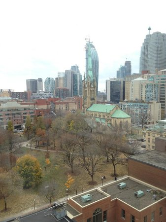 Holiday Inn Express Toronto Downtown: View from hotel room