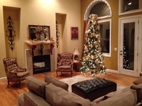 The Villa At Waters Edge: Ready for Christmas!