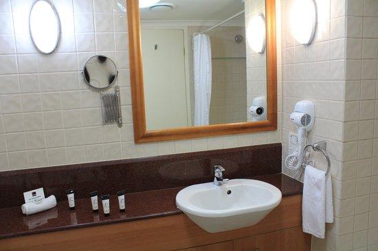 Central Cosmo Apartments : bathroom
