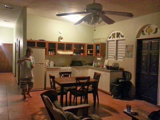 Rincon Inn: common area/kitchen