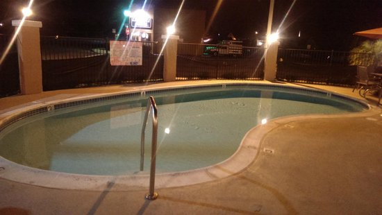 Econo Lodge Moonlight Beach: Swimming pool