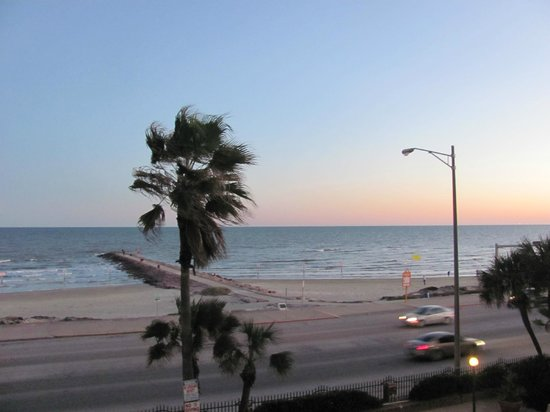 Commodore on the Beach: The Gulf of Mexico