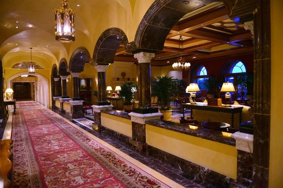 Fairmont Grand Del Mar : Main lobby area