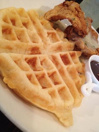 Southern Charm Kitchen : Fried Chicken and Waffles