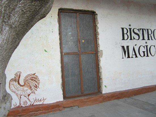 Bistro Magico: Corner Location you cannot miss.