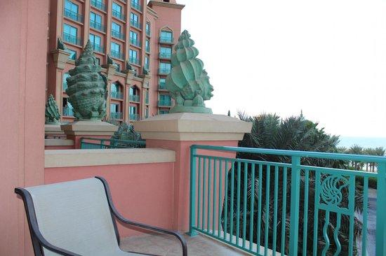 Atlantis, The Palm: LA TERRAZA DE LA HABITACIÓN