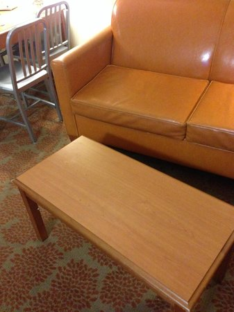 Desert Palms Hotel & Suites: Uncomfortable cheap family room furniture