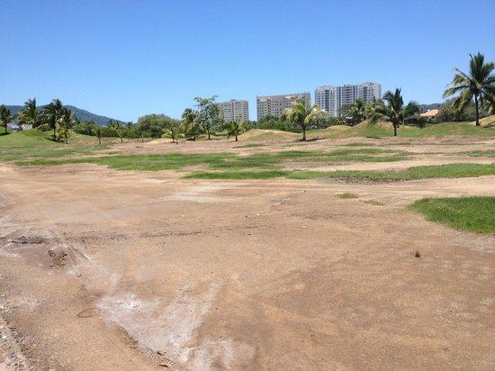 Marina Ixtapa Golf Club : Fairway?!?  Yep. that's a tight lie.