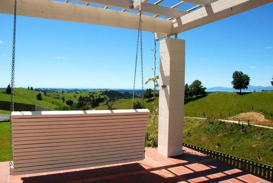 Hawk Ridge Bed & Breakfast: terrace view