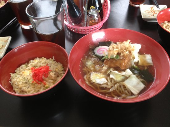 Yamasan, Casa de Ramen: 角煮ラーメン+煮玉子トッピング、チャーハン