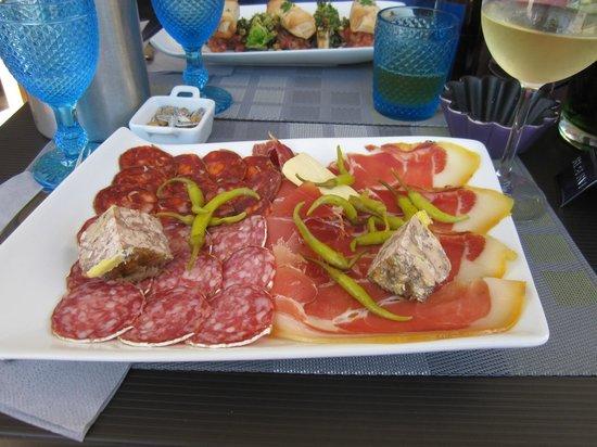 A Table : Crarcutaria com patê foie gras