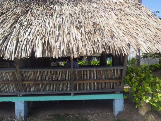Recuerdo Beach Resort: half cottages