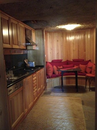 Sefa House : Eat in Kitchen