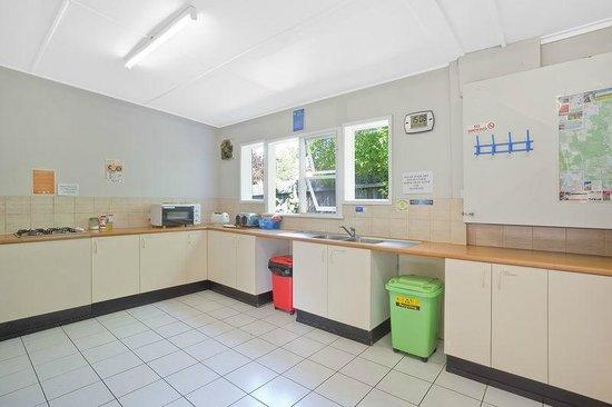 Narooma Motel: Guest Kitchen